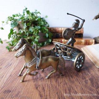 勇壮な戦士の戦を机上で眺める / Antique Bress Chariot