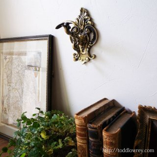 ロココの香り漂う壁の花 / Antique Victorian Rococo Style Coar Hock