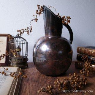 日々忙しく水を蓄えて / Antique  Victorian Copper Jug