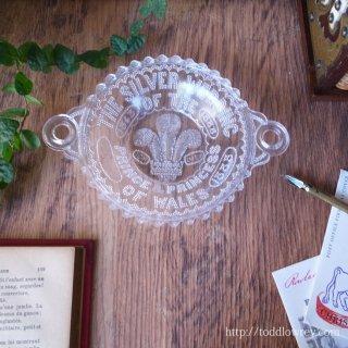 繁栄のヴィクトリア時代・英国皇太子の結婚25周年を祝う /Antique Victorian Pressed Glass Coronation Plate