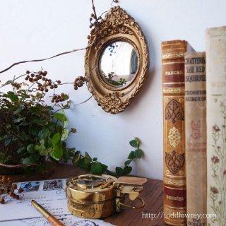華麗な装飾に囲まれた掌ほどの球形の世界 /Antique Gilt Frme Small Convex Mirror