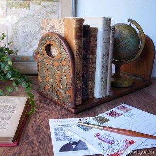 妙なる木で仕立てるデスクトップの小さなライブラリー / Antique Edwardian Brass & Walnut Book Slide
