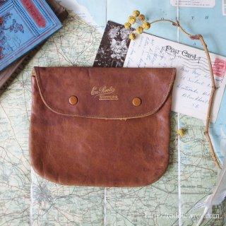 船の旅に想いを馳せる / Antique Leather Slippers Case