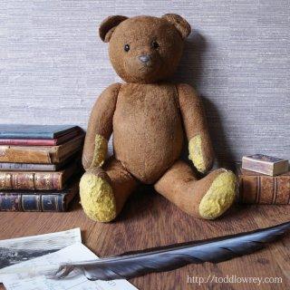友だちに会えない日は、はちみつが一滴も残っていない壺のようなものさ/ Antique Victorian Teddy Bear