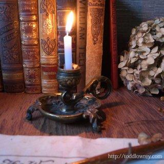 眠りの前のひとときを照らす /Antique Victorian Brass Candle Stand