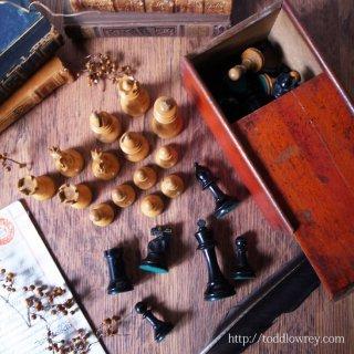 名勝負の果てに / Antique Staunton Chess Set to T.S.R