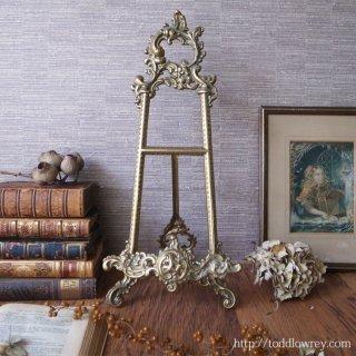 ロココの香り漂う優美な画架 / Antique Rococo Style Tabletop Brass Easel
