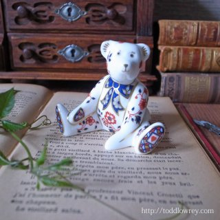 英国から来たお行儀の良いウィリアム・ベア/ Vintage Royal Crown Derby Miniature Bear