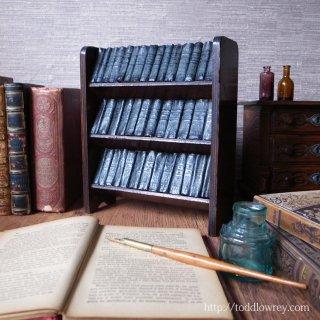 偉大な劇作家の集大成をお気に召すままに/ Antique Miniature Books and Shelf
