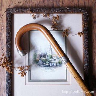 シェフィールドで飾られた飴色の籐 / Antique Crook Handle Walking Stick with Malacca Cane