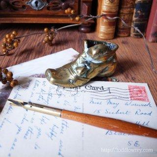 片方のブートはどこいった? / Antique Miniature Brass Boot
