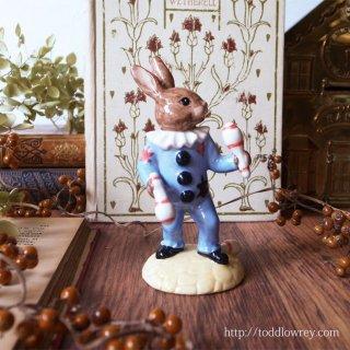 小さなウサギがクラブジャグリング中 /Vintage Royal Doulton