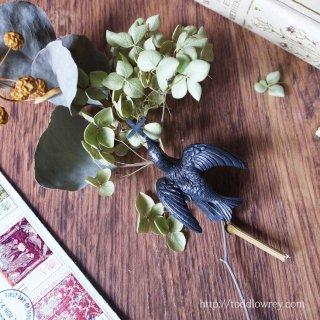 聖霊の鳩が束ねる花々をどうぞ / Antique Dove with Holy Cross Bouquet Holder