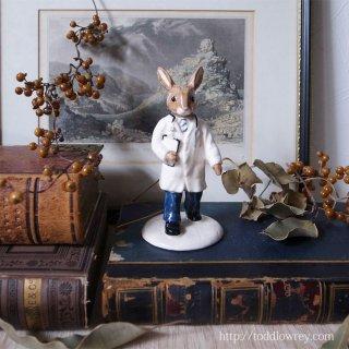 うさぎドクターにお任せを / Vintage Royal Doulton