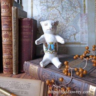 どこにいても、いつも心はそばに /Antique Crested China Teddy Bear
