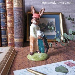 コースを読みゴルファーを助けるウサギキャディ / Vintage Royal Dolton CADDIE Bunnykins 2002