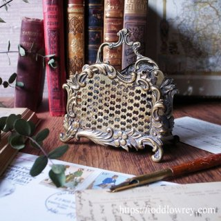 ヴィクトリアンの香り漂う優美な状差し / Antique Rococo Style Letter Rack