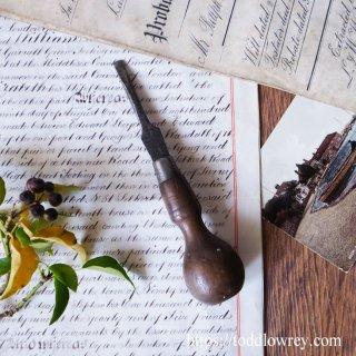 英国老舗ブランドの工具をどうぞ / Antique Screwdriver by John Shaw & Sons