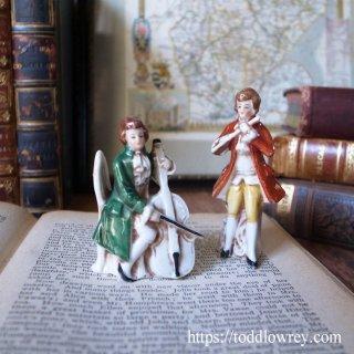 フルートとチェロの二重奏をどうぞ / Antique Pottery Figure