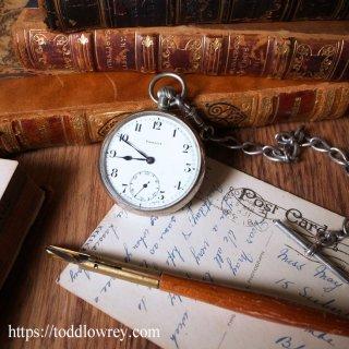 胸元で刻まれる確かな時 / Antique Pocket Watch