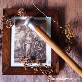品格溢れる飴色の杖 / Antique Victorian Walking Stick with Malacca Cane