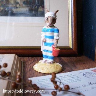 ヴィクトリア時代の水着を着たお母さんウサギ / Vintage Royal Doulton