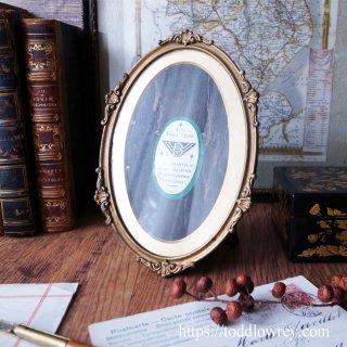 タテでもヨコでもお気に召すままに / Antique Oval Photo Stand by ARCO BIRMINGHAM
