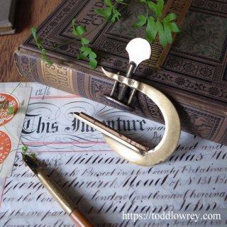 弦楽器の為の美しきツール / Antique Victorian Brass Capo Tasto or G Clamp