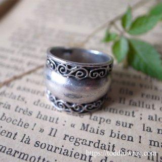 中世の騎士のように / Vintage Sterling Silver Ring
