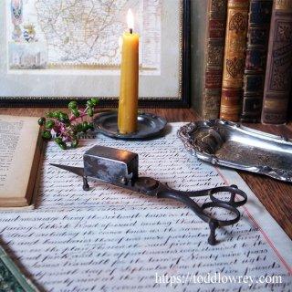 ジョージアンの民具に見惚れる / Antique Steel Candle Snuffer