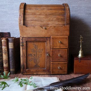 類まれな小さな家具 /Antique Dragon Roll Top Tambour Desktop Bureau