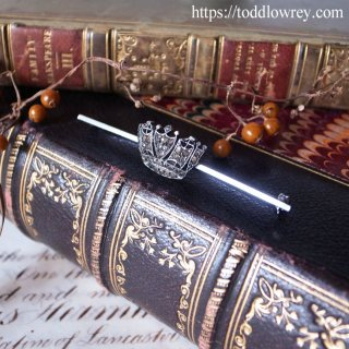 きらめく小さな王冠はいかが / Vintage Crown Pin Brooch