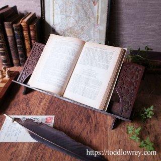 カーヴィングを堪能する書見台 / Antique Victorian Carved Book Trough and Stand