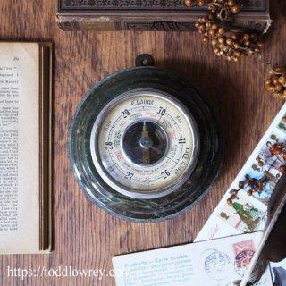 コーンウォールの大地に囲まれた晴雨計 / Antique Barometer by Shortland Brothers