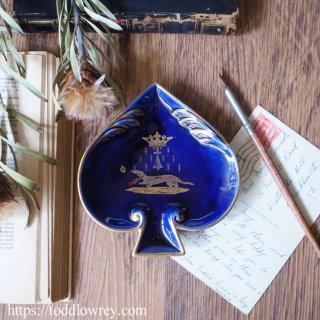 剣に記されたブルターニュの紋章 / Antique Spade Shape Pin Dish