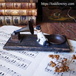 ご主人様の声がする / Antique Cold Painted Dog Figure with Tray for Gramophone Needles
