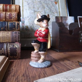 英国王のウサギサポーター / Vintage Royal Doulton