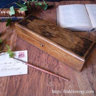 手袋を仕舞う場所 / Antique Wooden Gloves Box