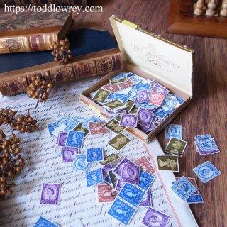古い紙箱の蓋を開けて / Vintage Tobacco Box Many Stamps Inside