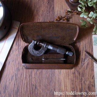 ミクロの違いの探求心 / Vintage Micrometer by Moore & Wright (Sheffield) Ltd