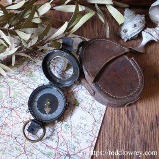 最後の大戦の道しるべ / Antique Prismatic Compass