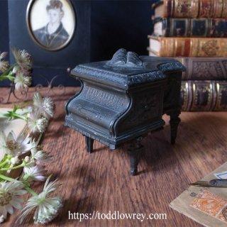 薔薇の音色 / Antique Paino Shape Trinket Box in Bronze