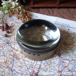 レンズの奥に魅了されて / Antique Magic Lantern Brass Mounted Condensing Lens