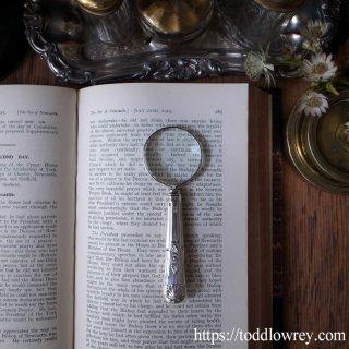 極め付きは豊穣の象徴/ Vintage Silver Handle Magnifying Glass 1959