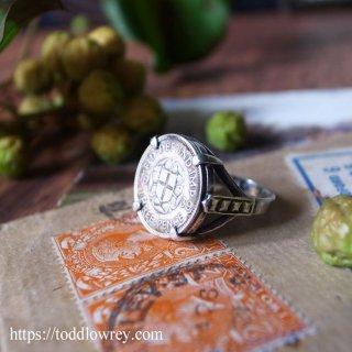 硬貨の過ごした記憶を繋ぐ / Vintage Threepenny Bit Ring 1939-1977