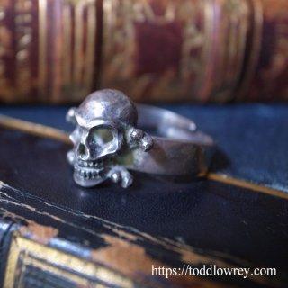 洗練された中に宿る荒々しい魂 / Vintage Silver Ring by SIERSBOL