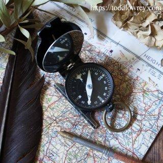 1944年の戦士が携えたドイツのギア / Vintage World War 2 German Military Marching Compass
