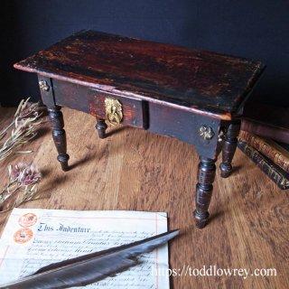 古く小さなアプレンティス・ピース/ Antique Victorian Miniature Table with Drawer