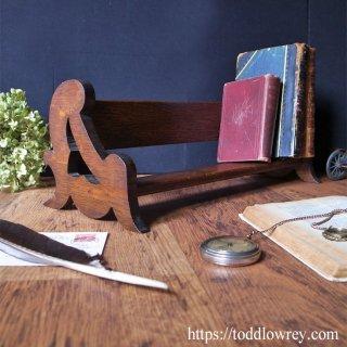 英国アールヌーヴォーを小家具で堪能する / Antique English Art Nouveau Oak Book Trough