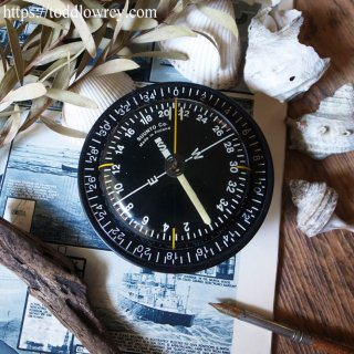 七つの海を導く北欧の円板 / Vintage SUUNTO Maritime Navigational Marine Compass